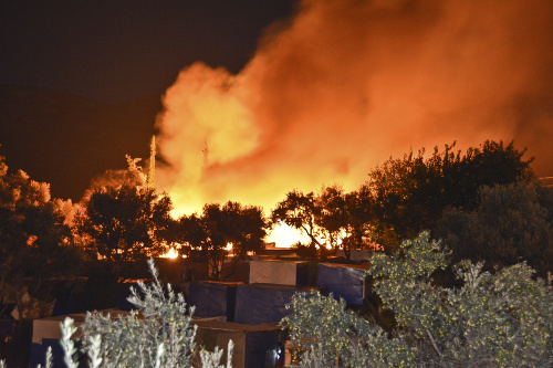 Požiar si vynútil evakuáciu