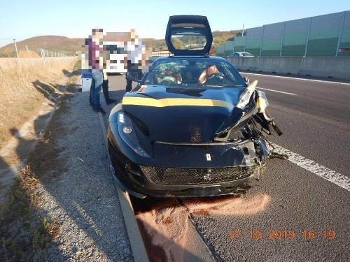 Havária na R1 medzi