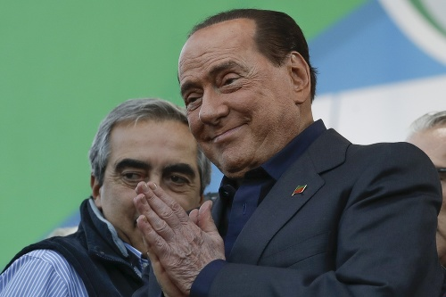 Silvio Berlusconi počas protestu