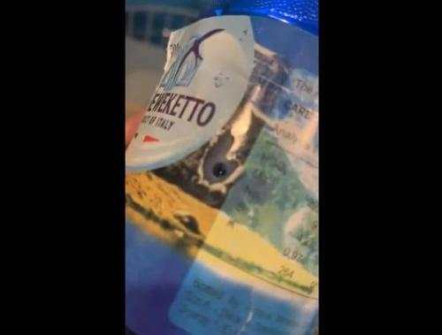 VIDEO Turistka sa opaľovala