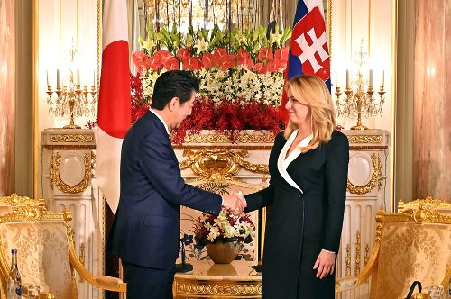 Zuzana Čaputová a Šinzó