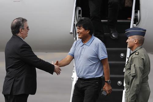 Bolívijský exprezident Morales utiekol