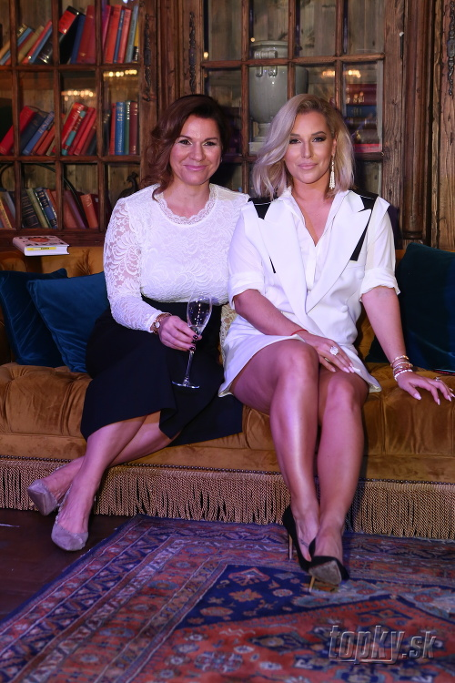 Dominika Cibulková so spisovateľkou