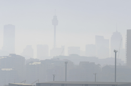 Sydney zahalil dym z