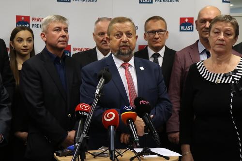 Strana Vlasť a líder