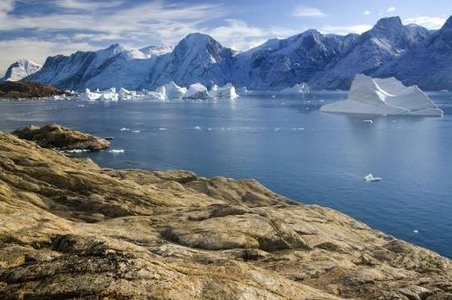 Vedci vypustili nad Grónskom
