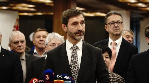 MIMORIADNE Roberta Fica obvinila