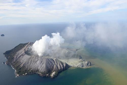 Erupcia sopky si vyžiadala