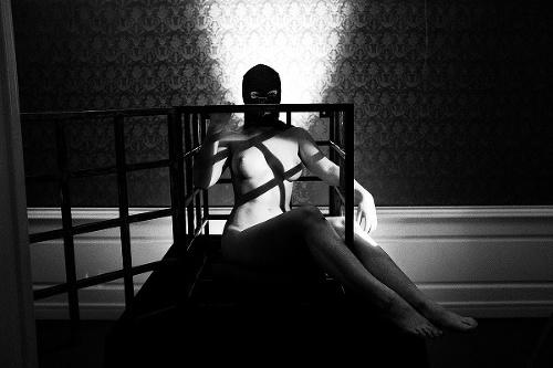 Výstava nahých žien