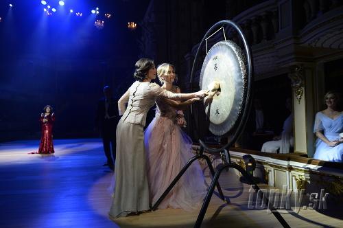 Ples úderom na gong