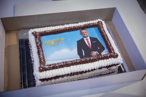 Na jednej z tort