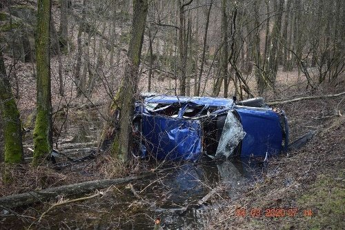 Polícia objasňuje dopravnú nehodu,