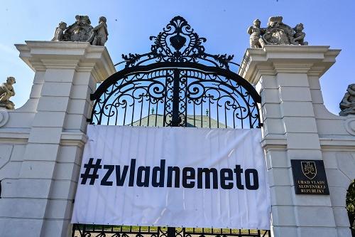 Transparent na bráne Úradu