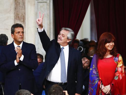 Prezident Alberto Fernández (v