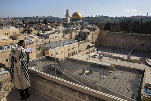 Izraelskí občania sa modlia