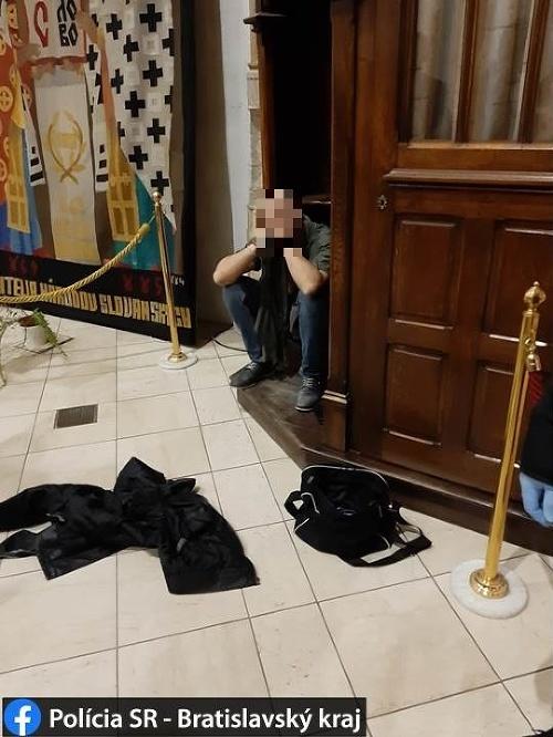 Zlodej kradol v kostole