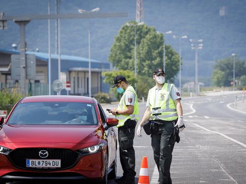 KORONAVÍRUS Polícia sprísňuje a