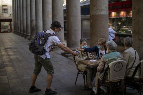 Španielski obyvatelia vstupujú do