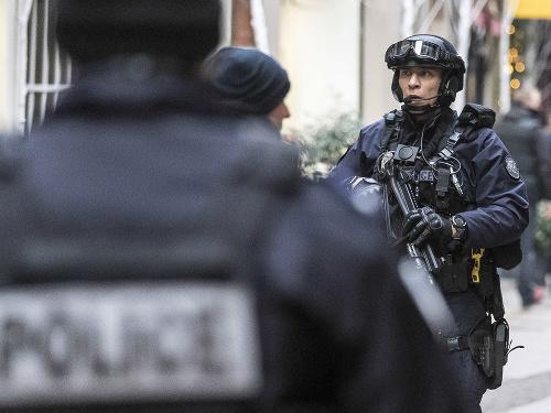 Francúzska polícia zadržala v