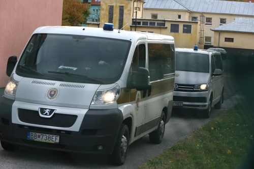 Moniku Jankovskú eskortovali do