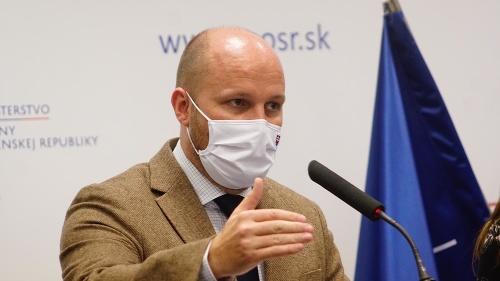 KORONAVÍRUS Minister obrany predstavuje