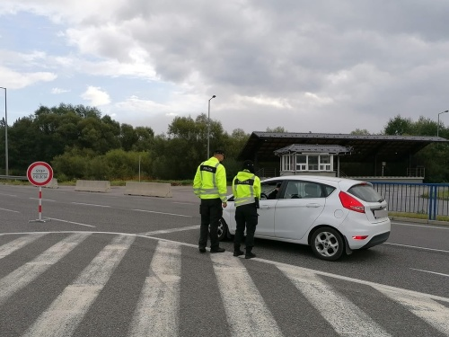 Polícia robí náhodné kontroly