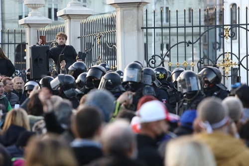 VIDEO Protesty v uliciach