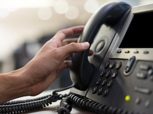 POZOR na podvodné telefonáty: