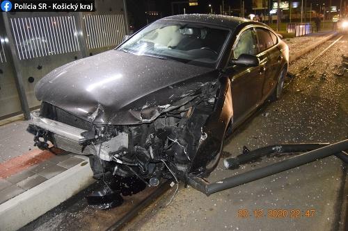 FOTO hrozivo vyzerajúcej nehody