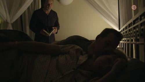 Studenková v posteli so