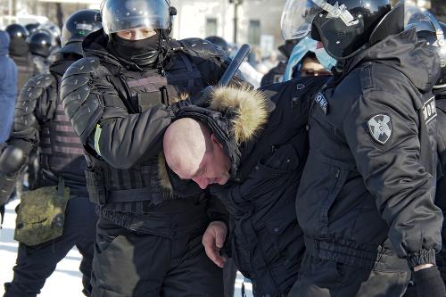 Polícia zatýka prívržencov Alexeja