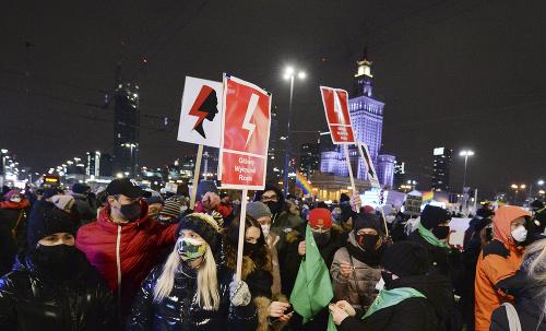 FOTO Protesty proti sprísneniu