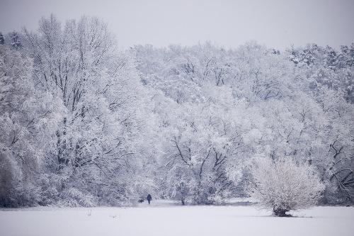 Európu zasypal sneh: VIDEO