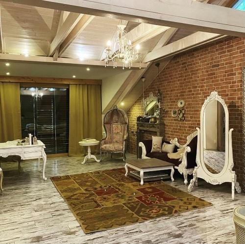 Pocisková ukázala luxusné bývanie: