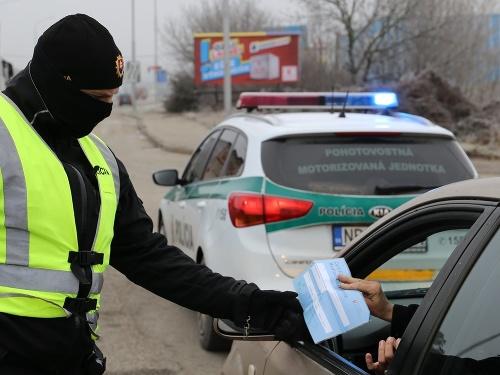 KORONAVÍRUS Polícia sprísňuje kontroly: