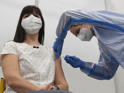 Očkovanie v prvom veľkokapacitnom