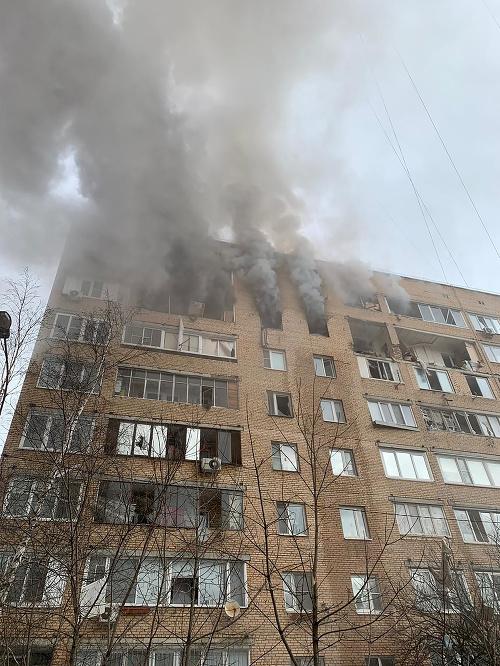 Výbuch v bytovom dome