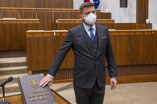 Nováčikovia v parlamente prvýkrát