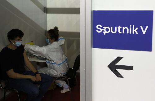 Očkovanie Sputnikom? Vedci bijú
