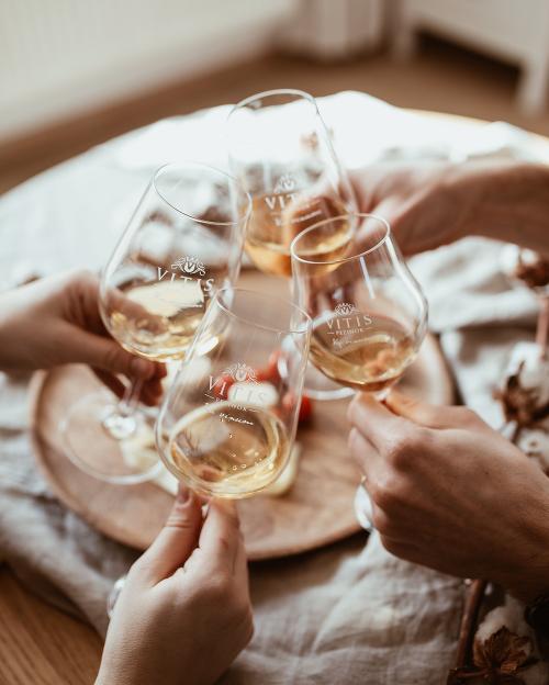 O víne sa nikdy