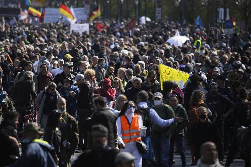 Veľká demonštrácia kvôli KORONAVÍRUSU: