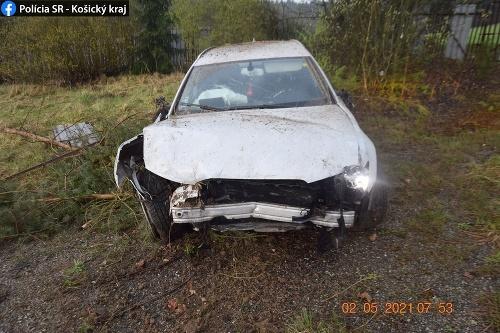 Opitý vodič prerazil autom