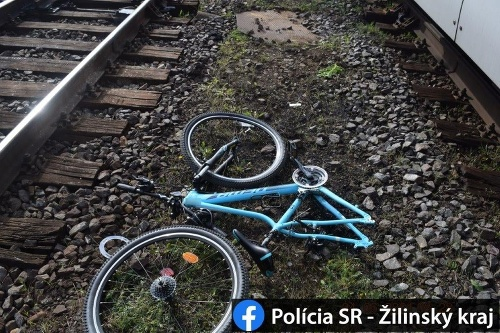 Cyklistka narazila na železničnom