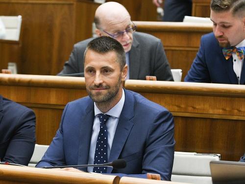 Dráma v parlamente: VIDEO