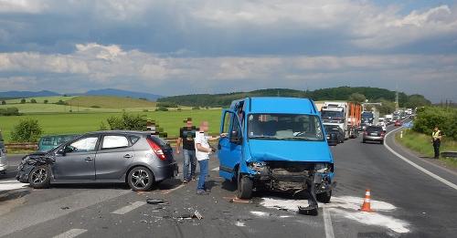 Zrážka dvoch vozidiel na