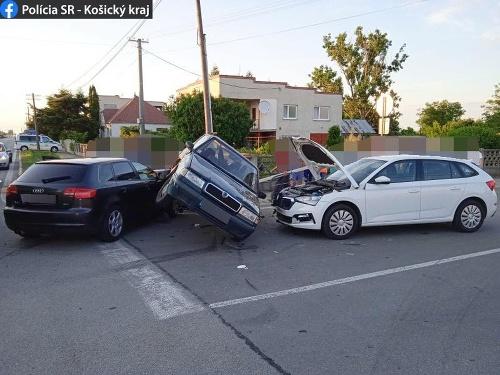 Dopravná nehoda na križovatke