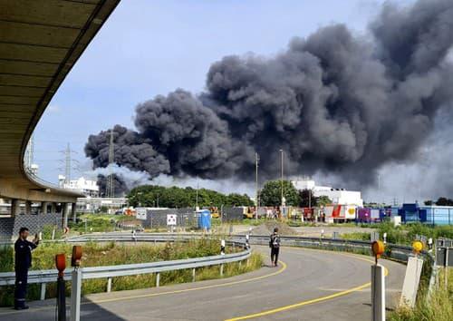 Výbuch v chemickej továrni
