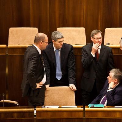 Vláda potichu dohodila Hrušovskému