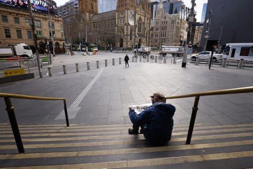Prázdne Melbourne, kde pribúdajú
