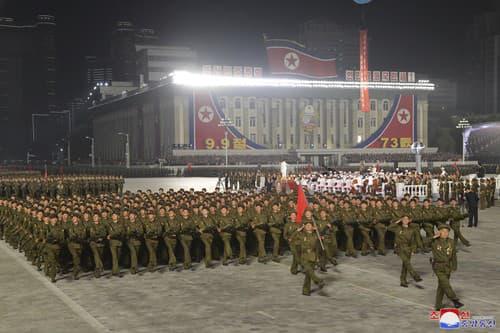 Vojenský sprievod v Severnej